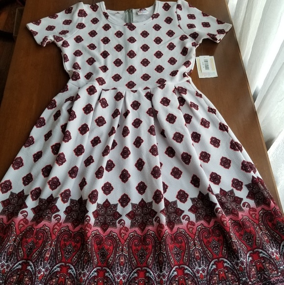 LuLaRoe Dresses & Skirts - Brand new Lularoe Amelia Dress